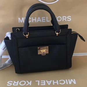 💦🌻mk satchel🌻Tina bag/crossbody/black/leather